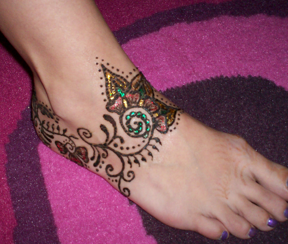 Stylish Mhendi Designs 2013 Pics Photos Pictures Images Henna