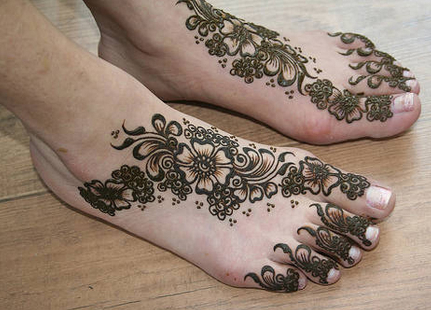 Mehndi Designs For Feet Toes : Indian henna design for feet sheplanet