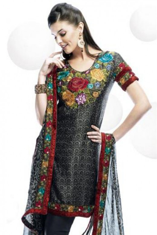Stylish Embroidery Salwar Kameez Designs Inspiration
