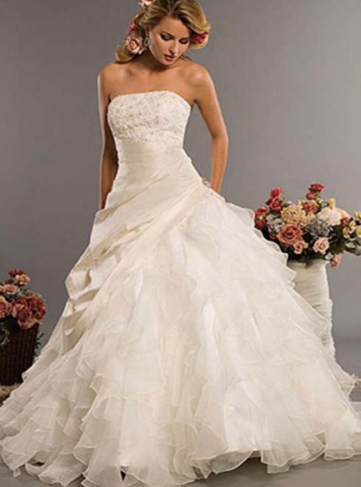 40 most luxurious and expensive wedding gowns of all time for Italian design wedding dresses