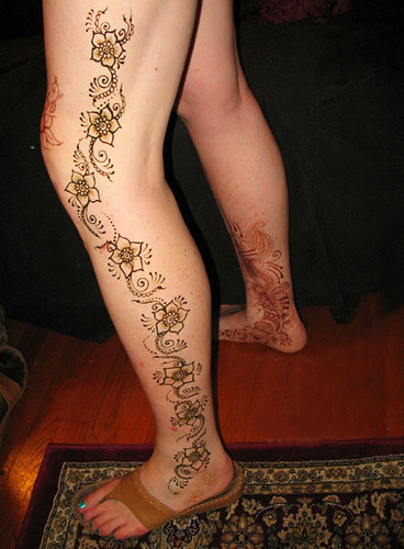 Mehndi For Hands And Legs : Designs of mehndi on hands and legs