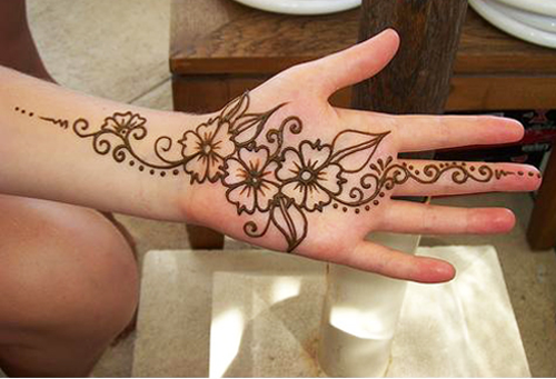 20 simple mehndi designs for hands of all time sheplanet for Simple and beautiful
