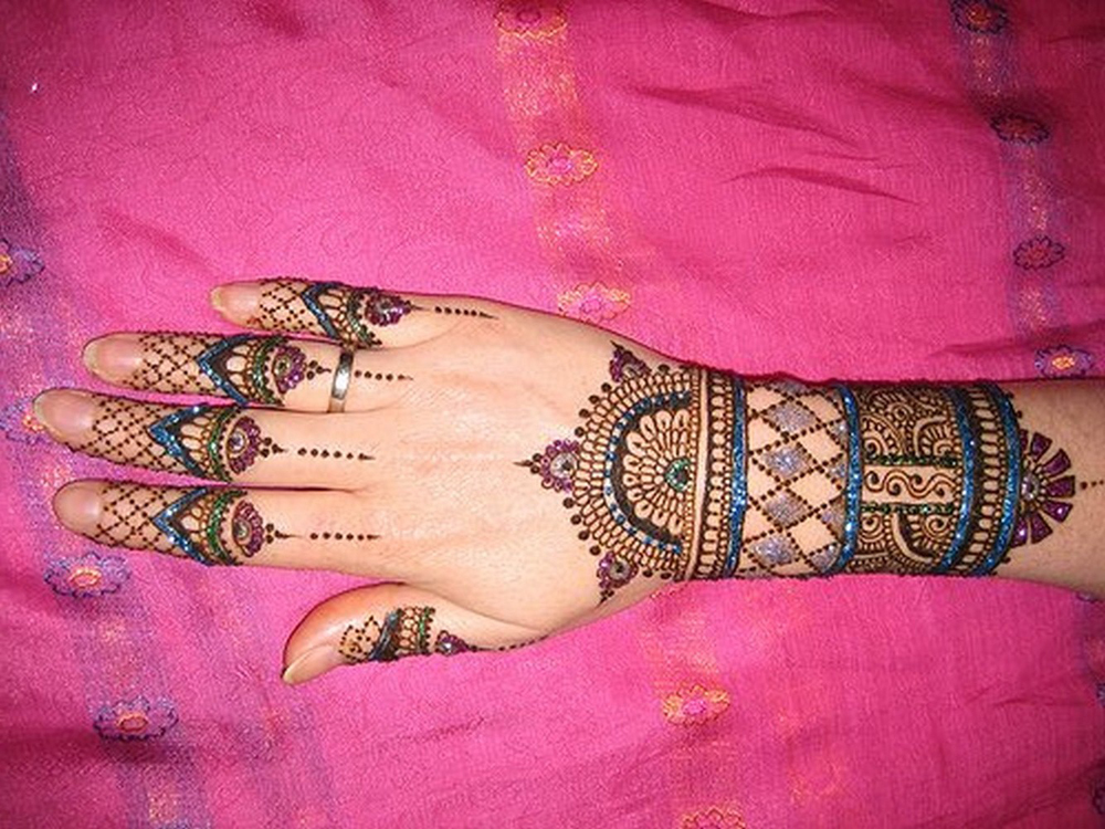 Colorful Glitter Mehndi Design 2011 Sheplanet