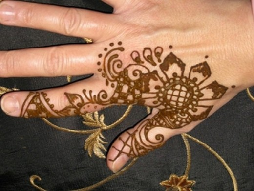 33 Floral Mehndi Designs For All Seasons  ShePlanet
