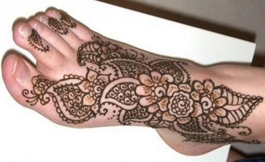 33 Floral Mehndi Designs for all Seasons - ShePlanet