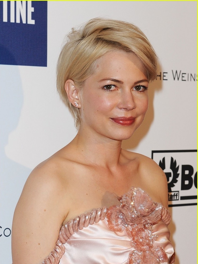 Michelle Williams Short Hairstyles For New Year 2012 Sheplanet
