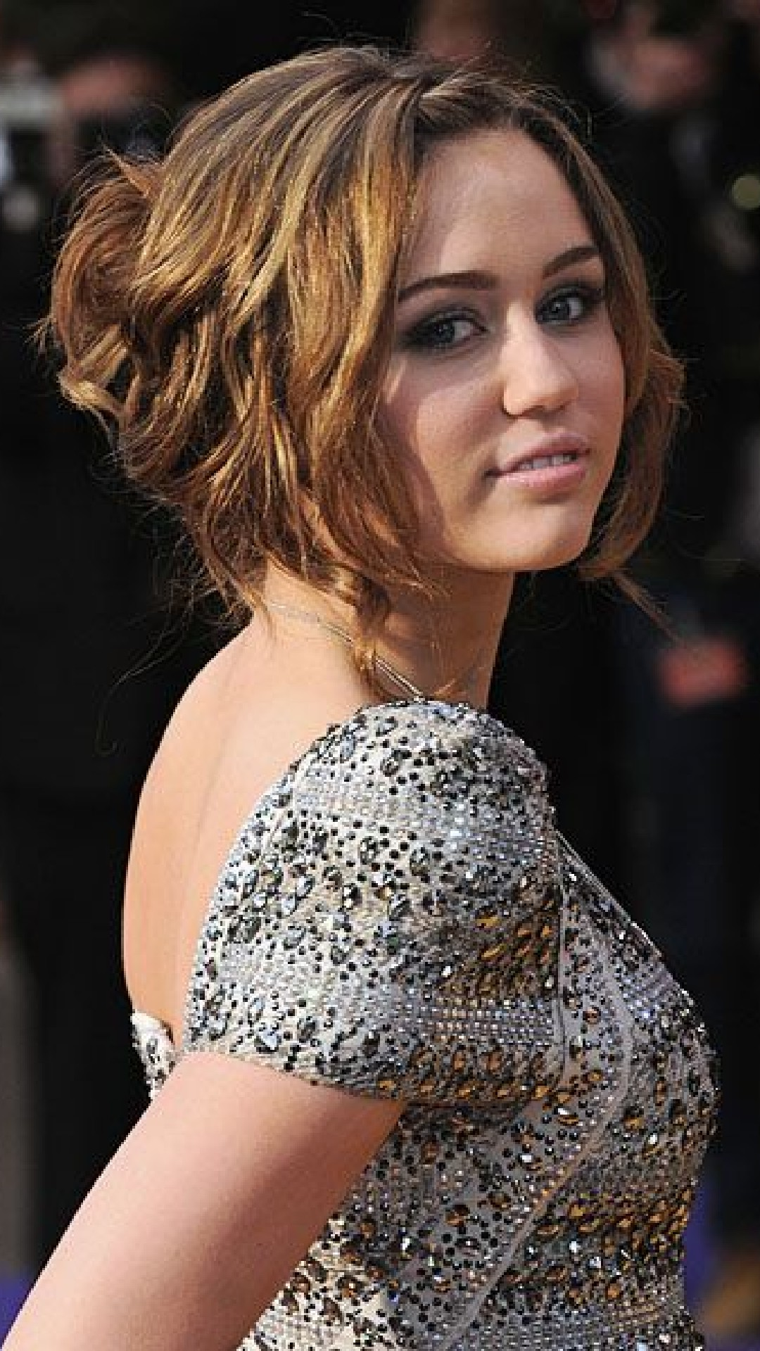 Hollywood Celebrity Miley Cyrus Ideal Hairstyles for Girls ...