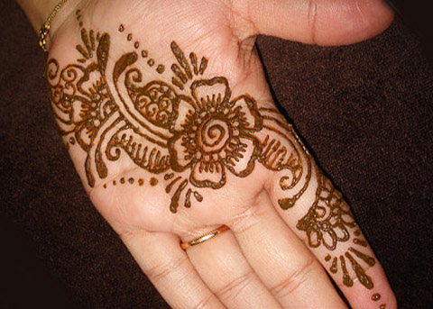 Mehndi Flower Designs For Hands : 20 simple mehndi designs for hands of all time sheplanet