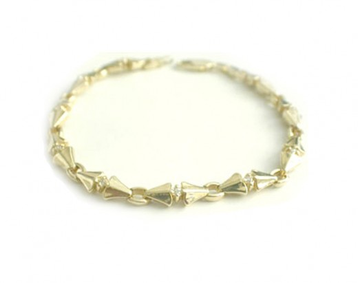 Gold Diamond Bracelet Design