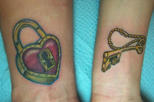 hot heart lock and key couple tattoo designs sheplanet. Black Bedroom Furniture Sets. Home Design Ideas