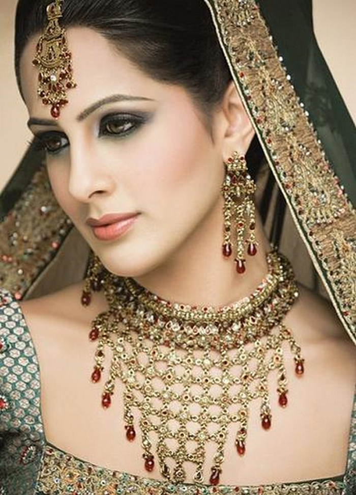 Excellent Indian Bridal Makeup 700 x 972 · 446 kB · jpeg