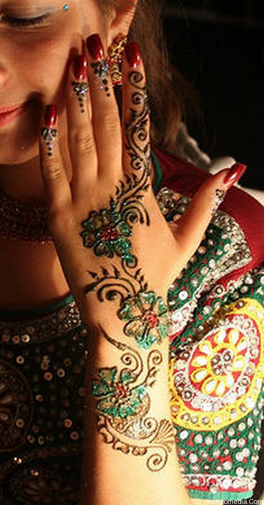Colorful Henna Designs: Attractive Holi Mehndi Designs For 2013