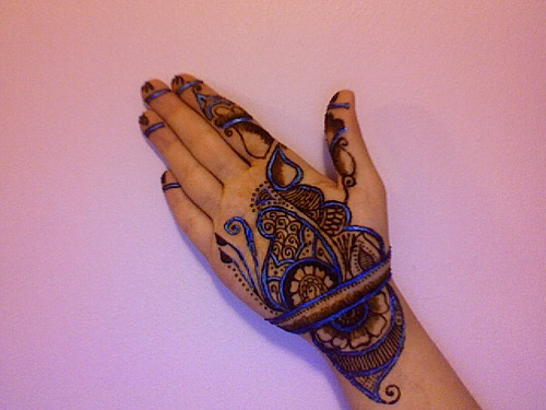 Cool Henna Designs For Girls: Delightful Colored Mehndi Designs