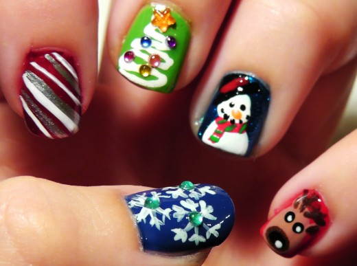 15 Electrifying Christmas Nail Art Pictures For 2015 Sheplanet