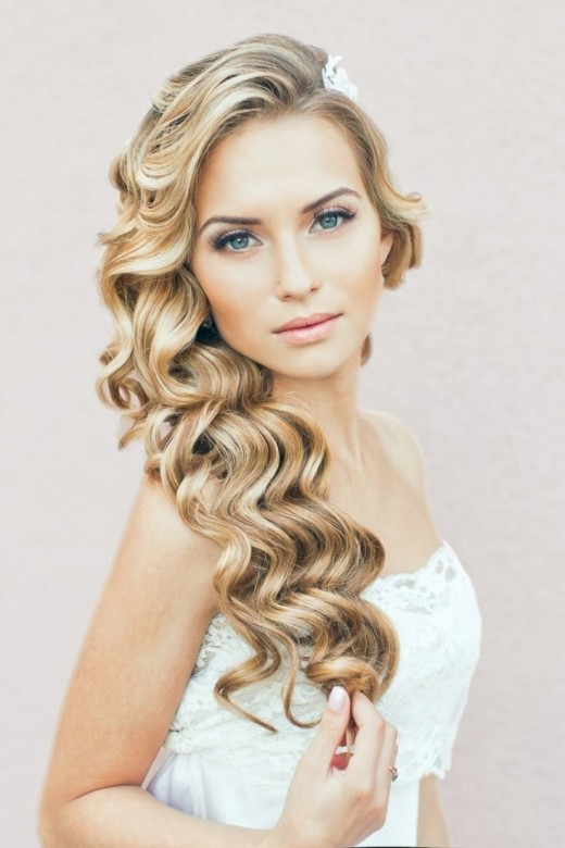 Wavy Wedding Hairstyle With Bridal Dress