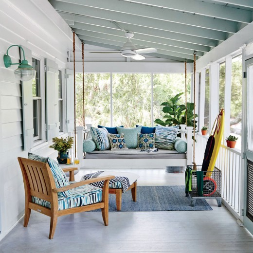 15 beautiful beach house decorating ideas sheplanet Cottage porch decorating ideas