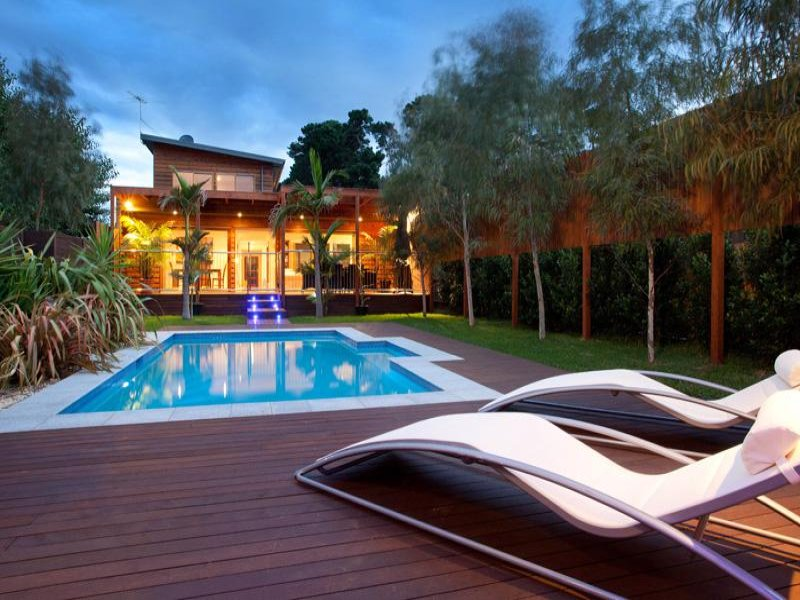 25 ideas about modern pool designs sheplanet for Swimming pool surrounds design